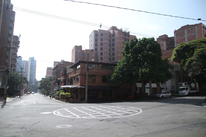 Loft independent in pink zone of Laureles