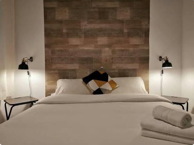Cozy interior room for two close to SagradaFamilia