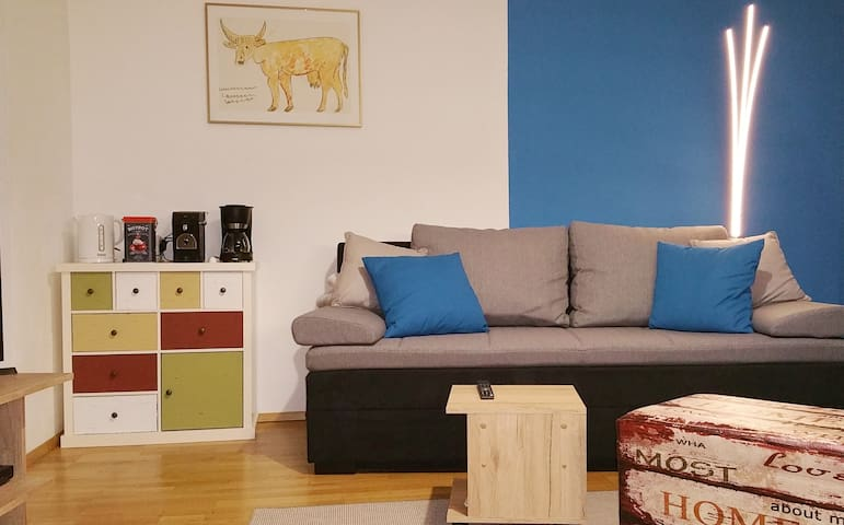 "Ruhiges Apartment ""Kunst aus Gugging"""