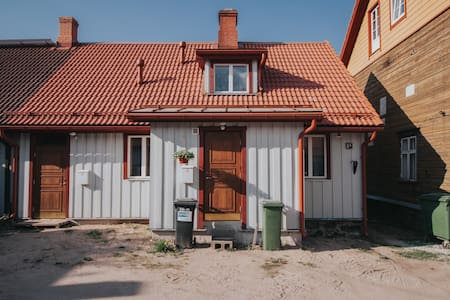 Cozy apartment in center of Viljandi with garden