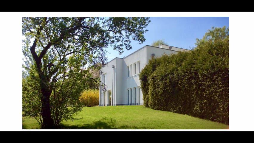 Villa Nähe Bonn  12 min to COP23