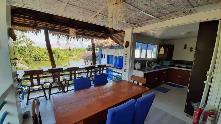 Main Beachfront House (w/ kitchen)