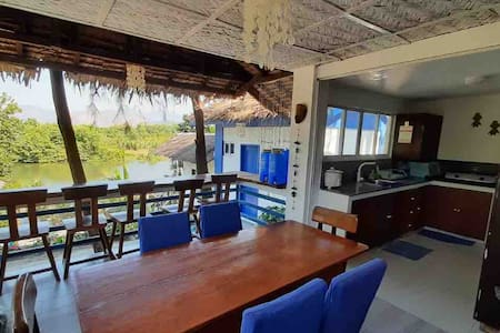 Main Beachfront House (w/ kitchen)
