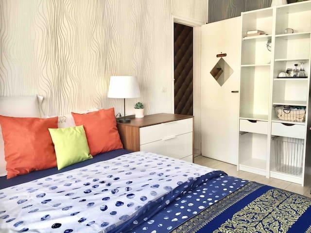 No 5 chambre privé à Paris .room in Paris 巴黎唐人街13区