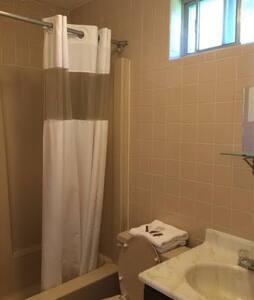 Short term rental  long term rental all kind room