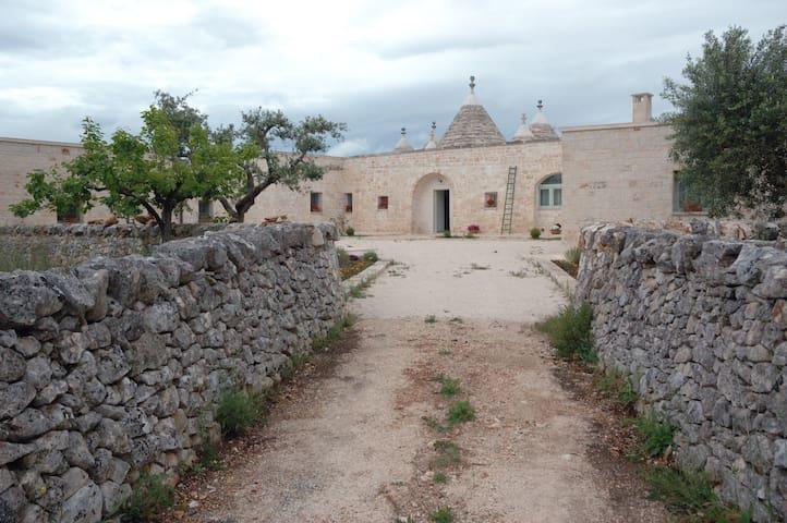 Casa SistoTrulli in uliveto - Cisternino-Br - Casa