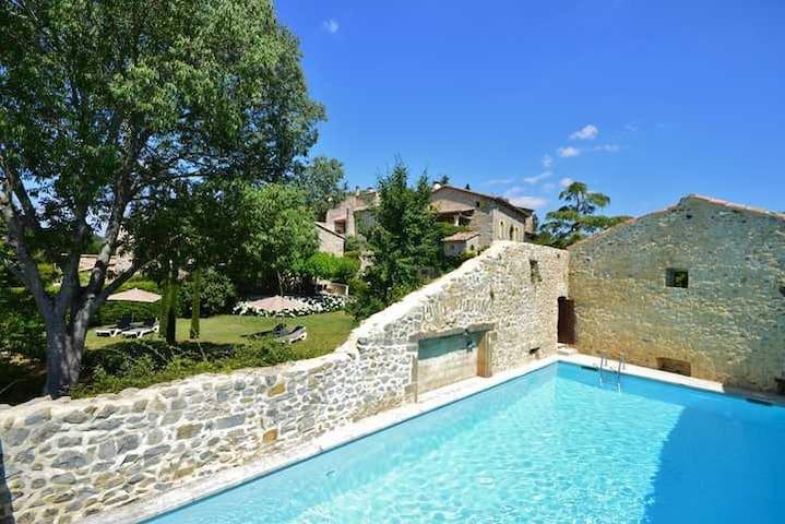 Place with lots of charm Room Iris near Uzès! - Saint-Just-et-Vacquières - Bed & Breakfast