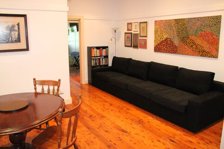 Bondi/Rose Bay Unit Perfectly Located