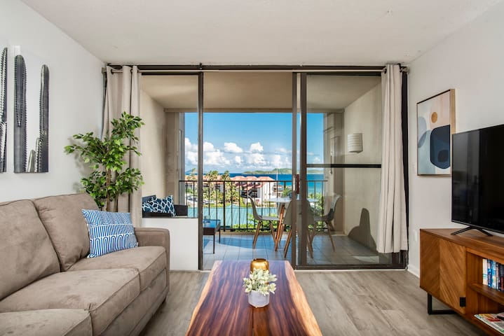 Ocean View Sapphire Beach Condo-Balcony & King Bed