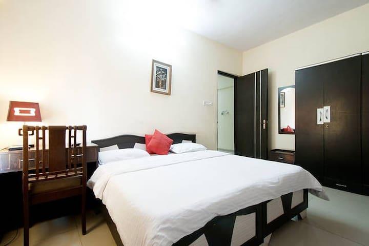 Higher Floor 3 Bedroom near IIT Powai JVLR - Mumbai - Apartment