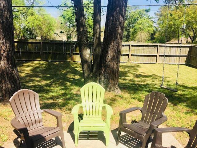 Ruby Red | Sleeps 10 People | Near IAH