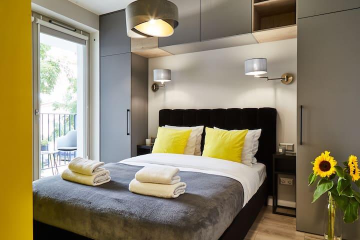 HOUSEHOST Apartment I:Miodowa Street