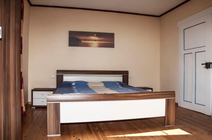 Bedroom 1 groundfloor