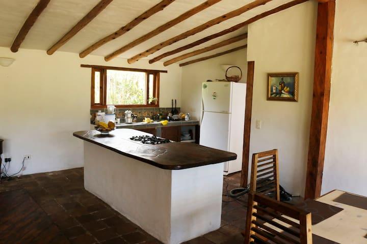 Hermosa casa de descanso y cabaña cerca de ciudad - Chía - Hus