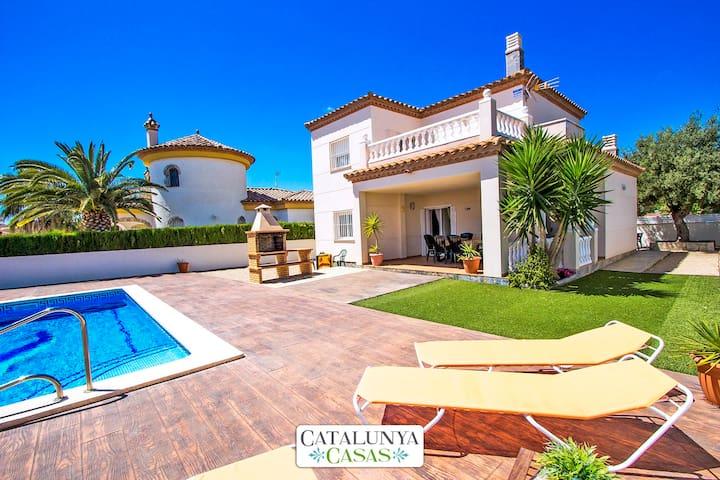 Catalunya Casas: Incroyable villa à Miami Platja à seulement 1,5 km de la plage!