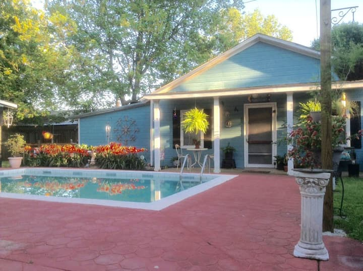 The Blue Moon Bungalow-an oasis from daily life.