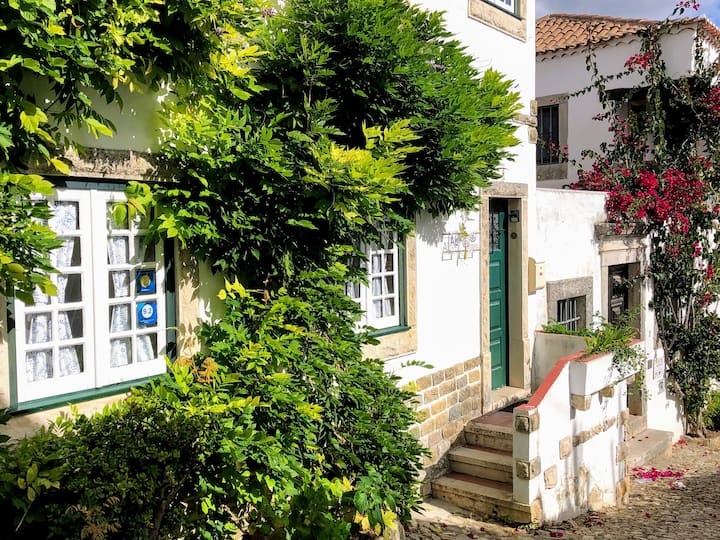 Charming cottage inside Óbidos Castle. 2BR-Sleeps7