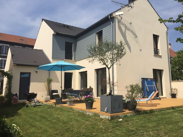 Belle maison, grand jardin à 15 min de Paris - Deuil-la-Barre