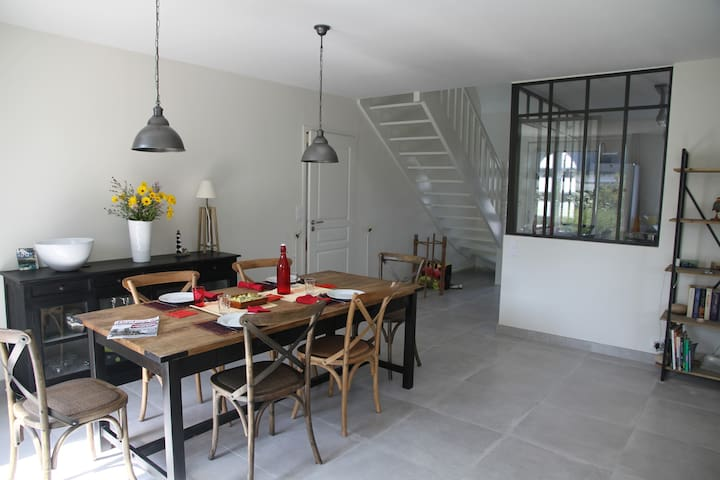 Comfortable house, near beach, 10 persons