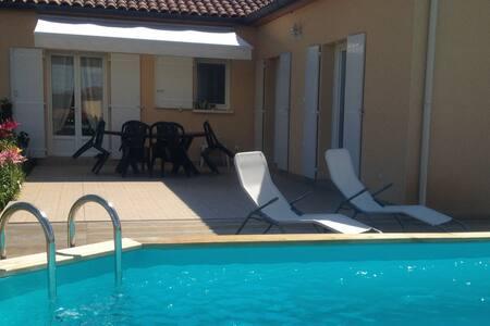 La maison du Pesquier 8/10 Personnes Piscine WIFI - Saint-Crépin-et-Carlucet
