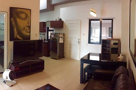 Resort Condo with Fast Wifi - Mandaluyong