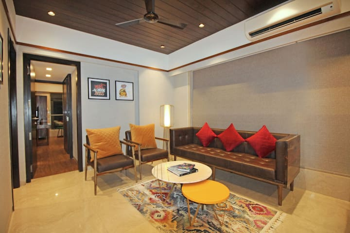 Premium Deluxe Room At Khar / Bandra