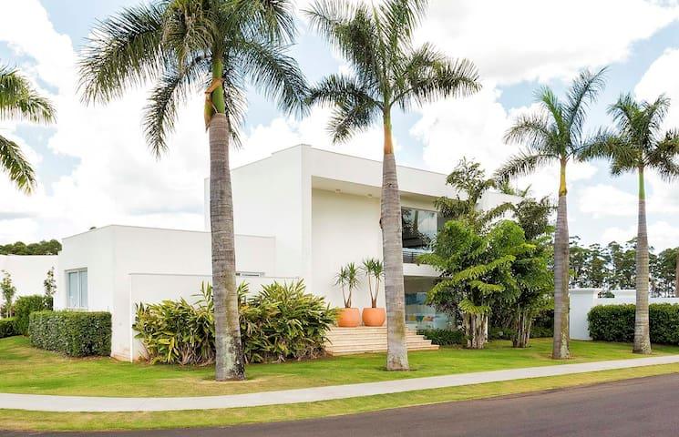 Casa de alto padrão em Resort no Interior de SP
