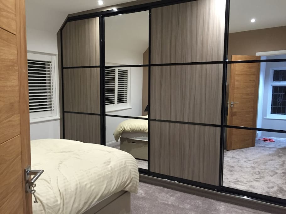 Comfortable double room in hall green near town case for The green room birmingham