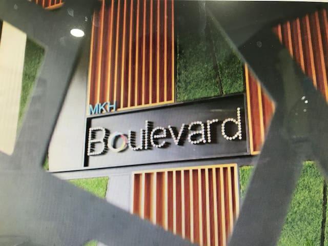 MKH Boulevard Studio