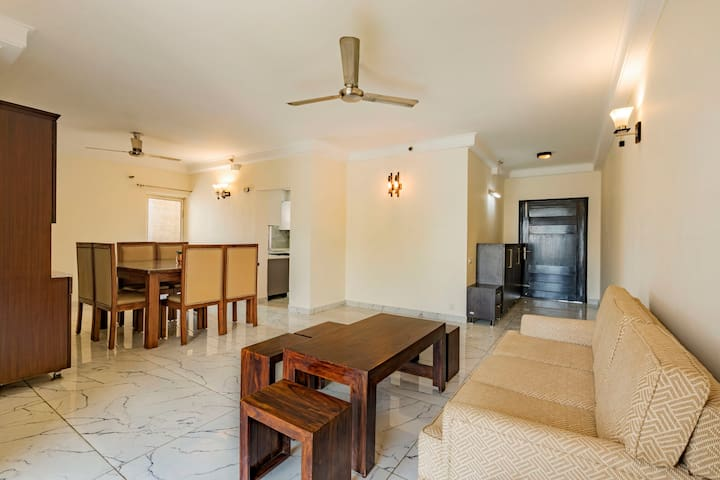 Snazzy 3 BHK, near Good Earth City Centre/73987