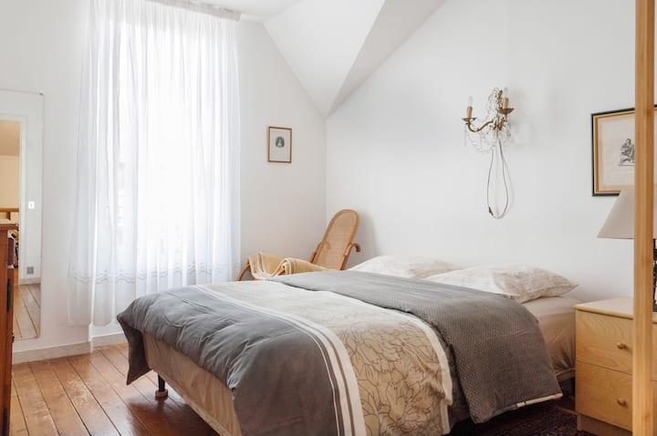 Apartment dans une villa charmante près de Paris