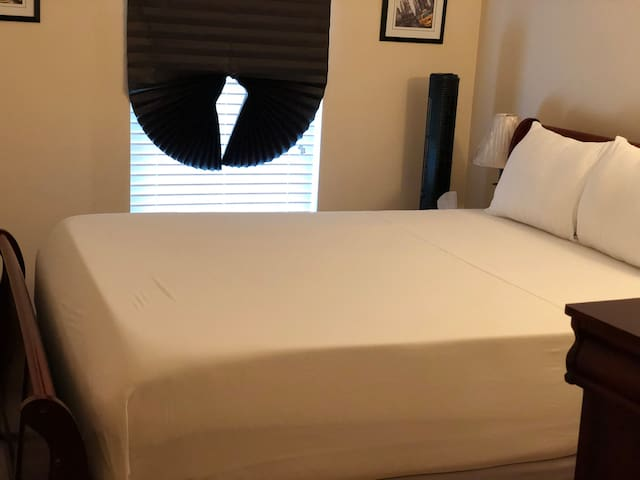 Furnished Private Bedroom w/Queen bed (Rm. 2)
