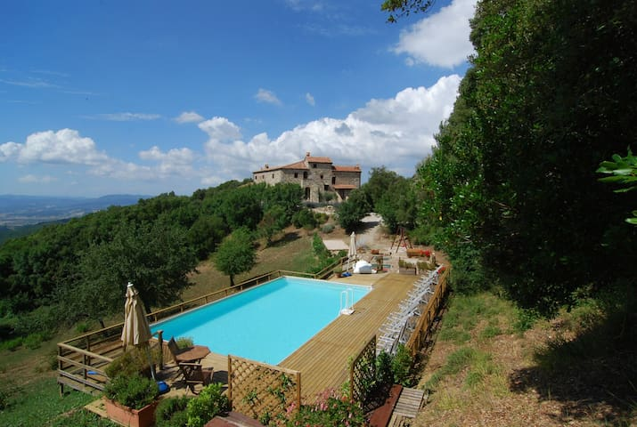 Villa Rogheta, Natura, Piscina e Jacuzzi con vista