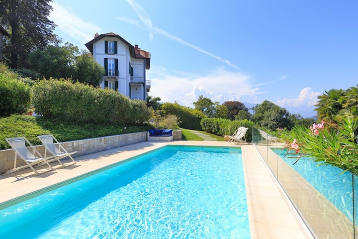Chic villa with pool and lakeview! - Villa Perla