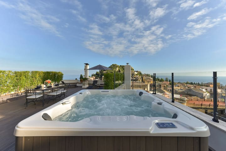Attico Giafari - Loft sea view in Taormina center
