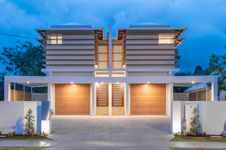BRAND NEW LUXURY ON GYMPIE TERRACE - VILLA 1