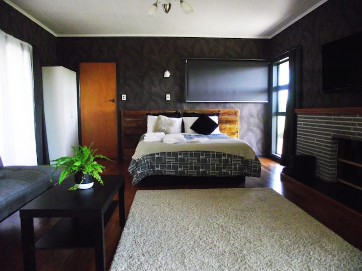 Magpie's Roost B&B