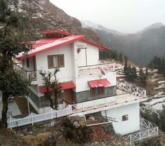 VEENU'S COT( whole  cottage/home) - mussoorie - Дом