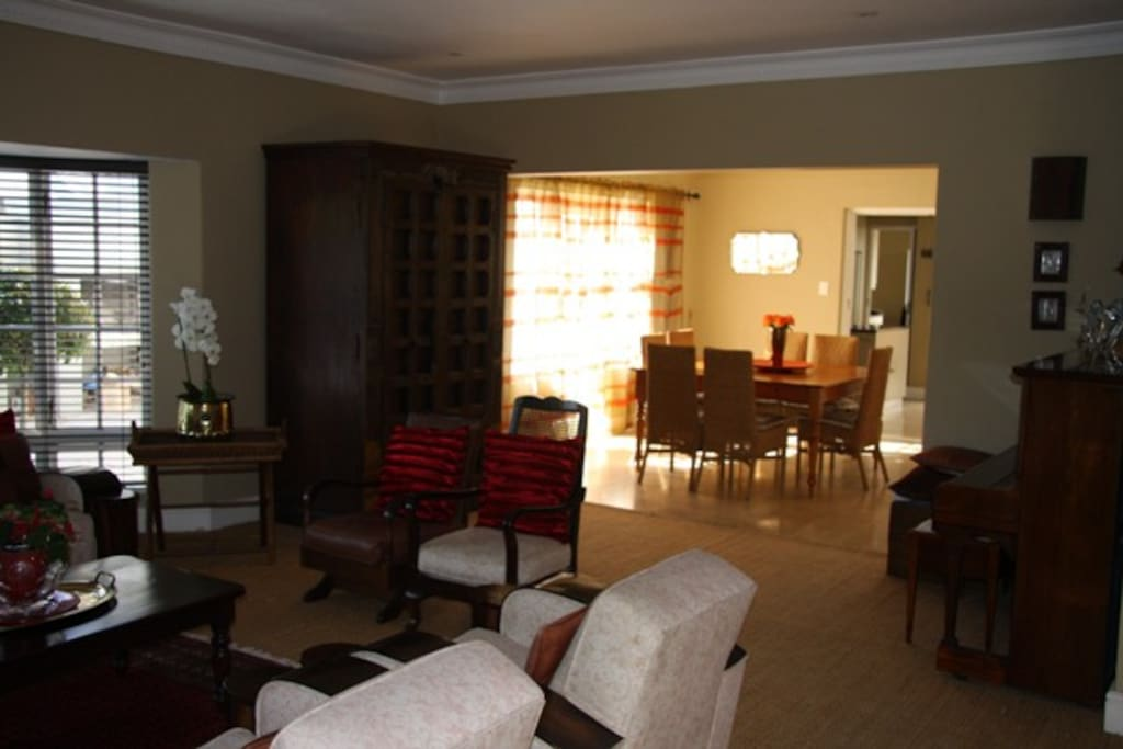 Lounge & Diningroom