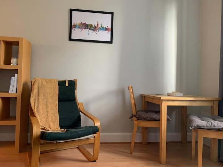 Cosy central 1BR flat
