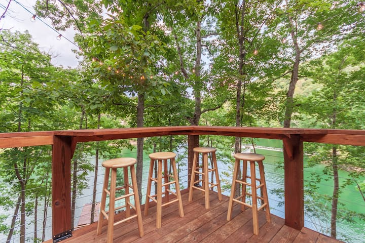 Private Lakefront Cabin within 4 Miles of I-75