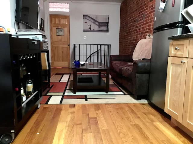 Private Room Spacious Apartment UES/Spanish Harlem