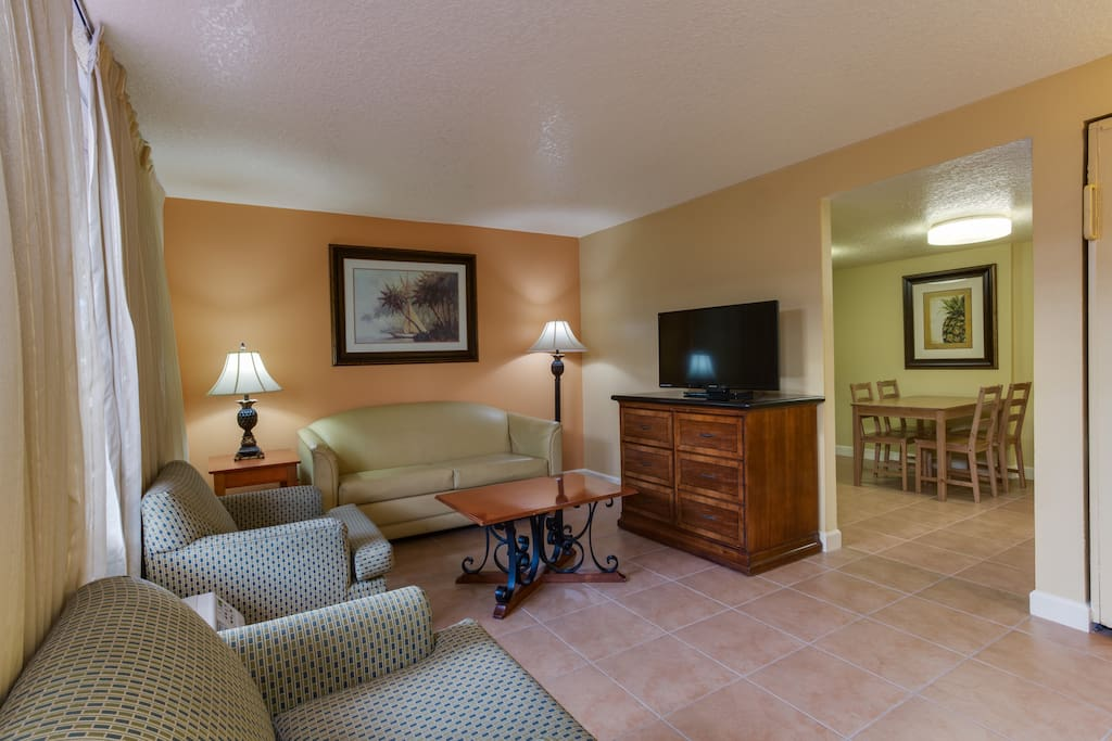 "Spacious and comfortable living room with 40"" LCD TV including HBO and Spanish Language channels"
