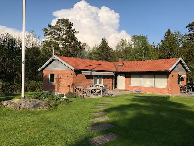 Villa i Kullavik, nära Göteborg .