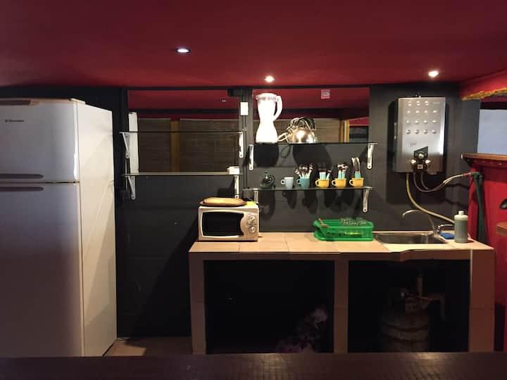 Hostel Balneario Bs. As.  habitación para 4p(B)