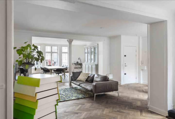 Extraordinary 180sqm designer apartment