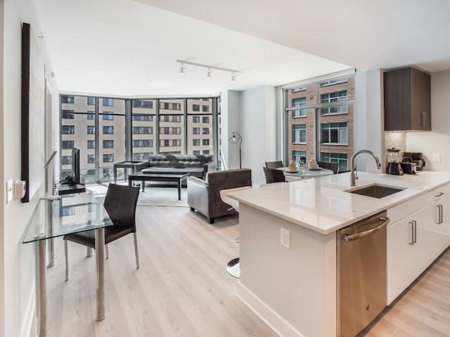 Luxury | 2 Bedroom | Downtown Bethesda MD | by GLS