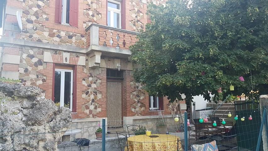 façade parement ocres de Roussillon