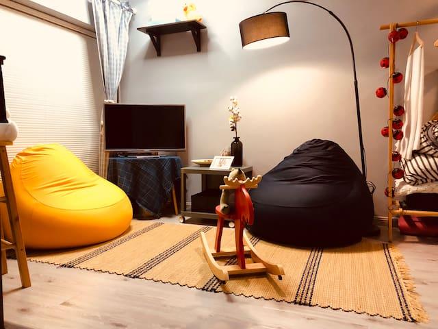 梦游镇-九眼桥兰桂坊太古里春熙路锦里宽窄巷子熊猫基地北欧风可爱小公寓