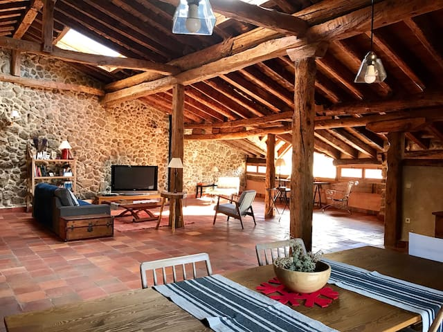 Dream loft 2 pers, in Sotosalbos 17km from Segovia - Sotosalbos - Dům
